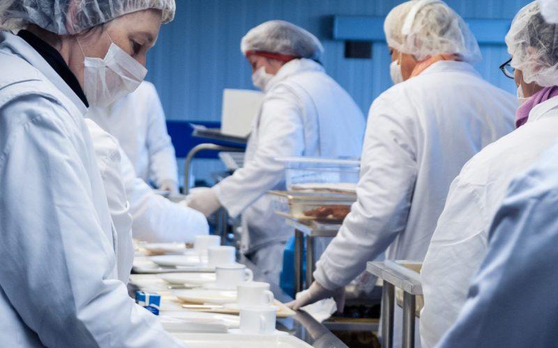 Krankenhausküche, Küche, Catering, Kantine, Hygiene, Altenpflege, Altersheim, Klinik, HACCP, Essen, Zubereitung